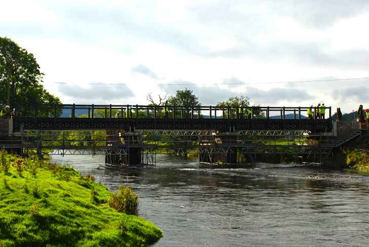 Мост из пластика