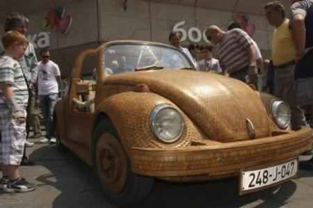 Деревянный Volkswagen Beetle