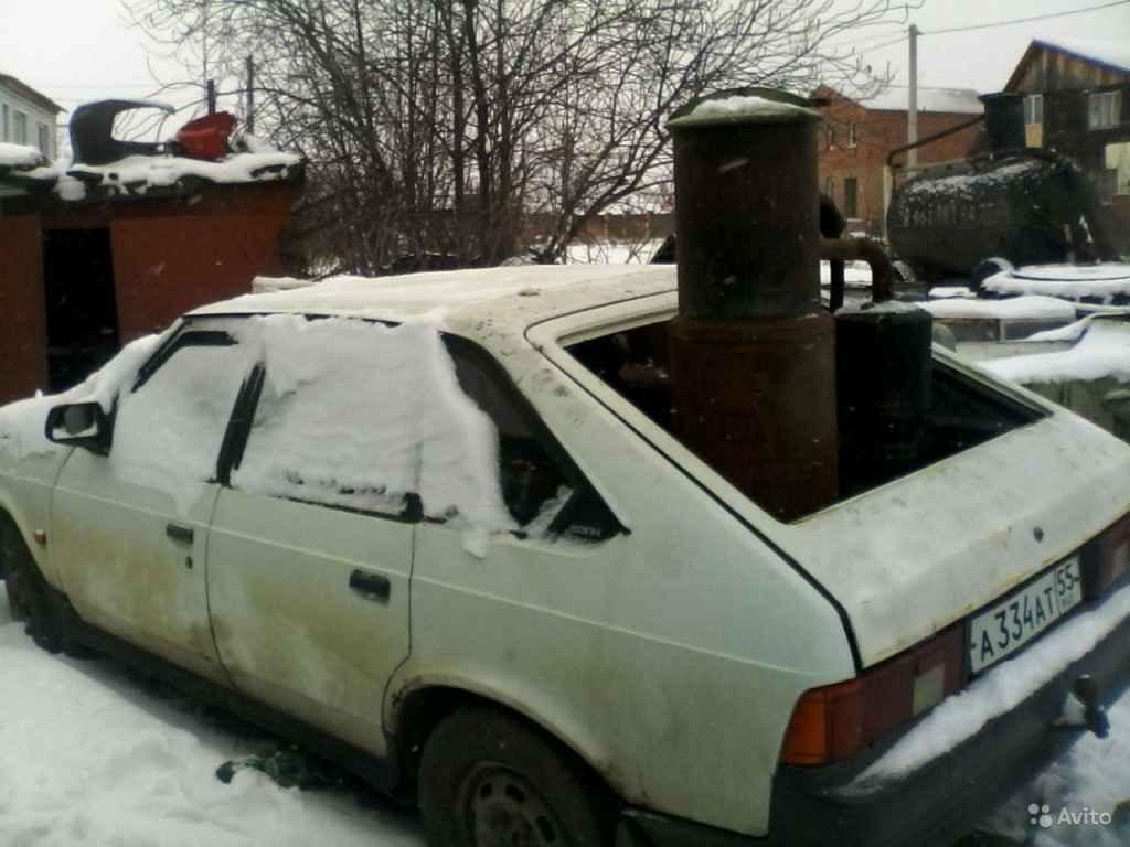 Автомобиль «Москвич-2141» на дровах