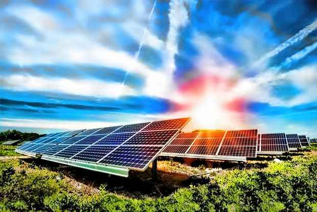 Отдельностоящие солнечные панели производят экологичную возобновляемую электроэнергию