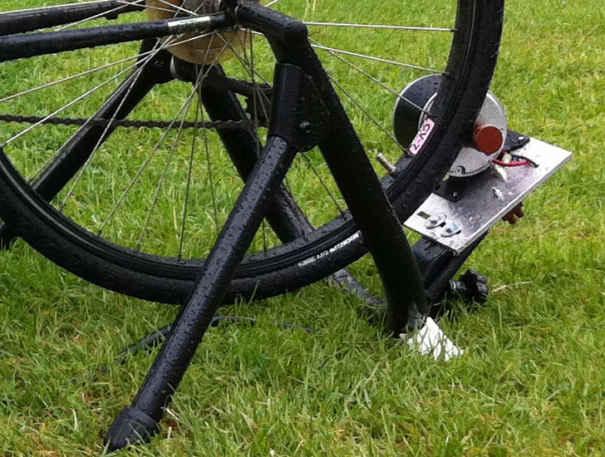 Генераторы постоянного тока, вращаемые шиной заднего колеса