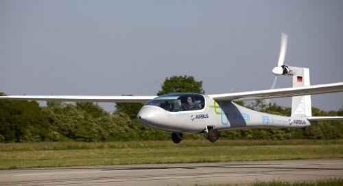 Электрический самолет e-Genius