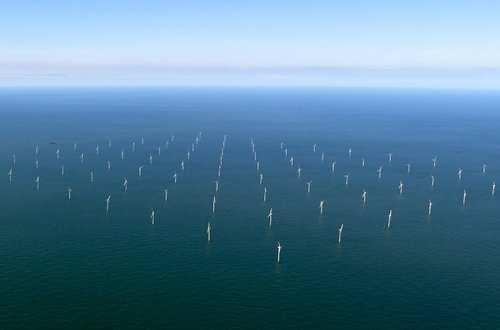 В море среднегодовая скорость ветра выше, чем на суше, это позволит вырабатывать больше электроэнергии