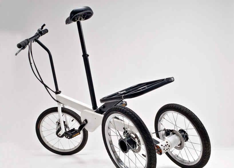 Электрический велосипед на трех колесах