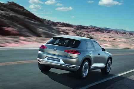 Полностью заправленный и заряженный Volkswagen Cross Coupe может проехать 850 километров