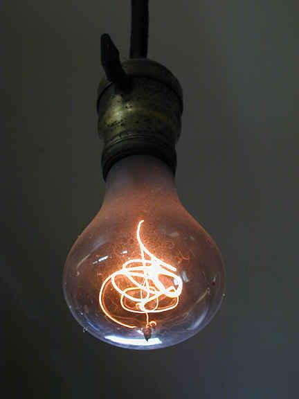 Вечная лампа накаливания